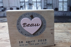 Geboorteplank hout Beau
