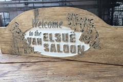 Graveren in hout - Saloonbord