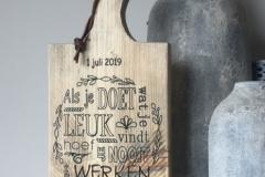 Steigerhouten-kaasplank-met-tekst-40-jaar-in-dienst