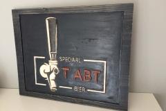 Logobord-hout-in-kleur