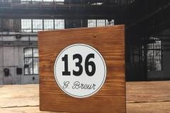Naambord nieuw steigerhout met kunststof tekstplaat